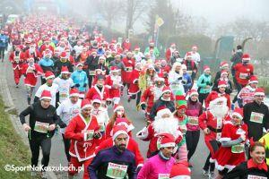 Mikołajkowy Festiwal Zdrowia - Santa Run 2017 w Kartuzach. Wystartowało prawie 1000 kolorowych biegaczy