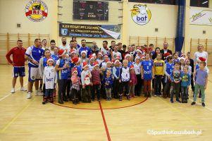 Efekty zbiórki na meczu Bat Sierakowice - Basket Kwidzyn. Pieniądze, pieluszki i inne dary dla Amelki