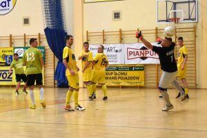 Halowa Liga Piłki Nożnej Sierakowice. Zwycięstwa faworytów w 5. kolejce zmagań
