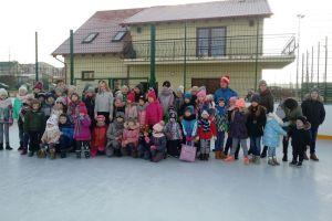 Amelia Rams dała pokaz łyżwiarstwa figurowego na lodowisku w Sierakowicach
