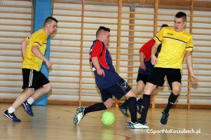 Somonińska Liga Piłki Nożnej Halowej. Szargan wygrał derby z Domarosem, skorzystał We - Met