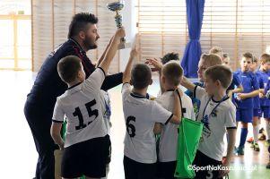 Junior Futsal Liga w Kiełpinie. Puchar ligi zakończył pierwszą edycję halowych zmagań juniorów