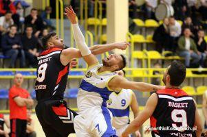 KS Bat Sierakowice - MTS Basket Kwidzyn. Gospodarze przegrali mecz na szczycie i stracili pozycję lidera