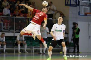 FC Kartuzy - Red Devils Chojnice. Bardzo zacięty derbowy mecz dwóch czołowych drużyn I ligi