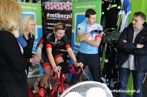 Tour de Bike Atelier 2018 w Kartuzach. Wioleta Górska - Sierońska i Michał Kostuch zwycięzcami wyścigu na trenażerach