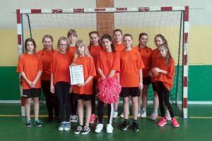 Szczypiornistki z Kamienicy Szlacheckiej dwukrotnie drugie w wojewódzkich półfinałach igrzysk dzieci i młodzieży