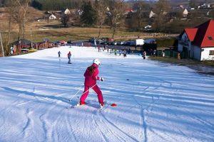 Niedziela z piknikiem narciarskim i niespodziankami w Paczoskowie