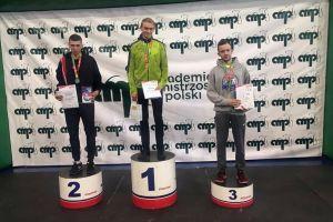Wojciech Serkowski na podium AMP, Krzysztof Różnicki i Julia Mikołajewska medalistami mistrzostw makroregionu