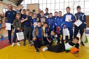 Sześc złotych medali zapaśników Cartusii Kartuzy na Otwartych Mistrzostwach Wielkopolski w Swarzędzu