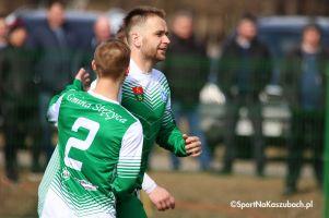 Grom Nowy Staw - Radunia Stężyca. Tomasz Bejuk rozstrzygnął mecz na szczycie IV ligi