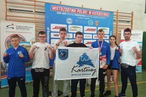Armin Wilczewski i Nikola Zaborowska na podium Mistrzostw Polski Kadetów w Kick - Boxingu w Mysiadle