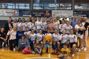 UKS Bat Kartuzy wygrał trzeci mecz i cały turniej półfinałowy MP U14 w Gdyni