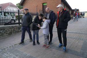 Noc Muzeów 2018 w Żukowie. Wędrowali po Żukowie i poznawali jego historię podczas gry miejskiej