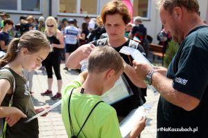 Rajd z Kompasem 2018 w Goręczynie. Całe rodziny maszerowały lub jeździli na rowerach z kompasami i mapami