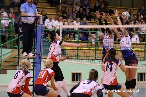 Przodkowska Liga Piłki Siatkowej Kobiet. Mecz o złoto Positive Team - InterMarine Team na zdjęciach