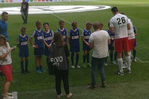Piłkarze ZKiW Stężyca wygrali charytatywny turniej Z Orlika i Juniora na Stadiony Świata na stadionie Energa