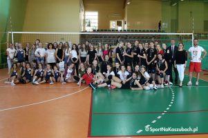 Powiatowa Gimnazjalna Liga Piłki Siatkowej Dziewcząt 2017/2018 zakończona w Stężycy