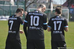 Lechia II Gdańsk - GKS Przodkowo 0:3 (0:1). Przodkowianie umocnili się na pozycji lidera III ligi