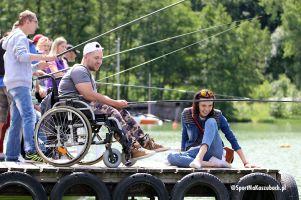 Niepełnosprawni z całego Pomorza wędkowali i bawili się w Ostrzycach