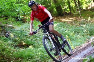 Zdjęcia z jazdy na rowerze i biegu na triathlonie na Złotej Górze