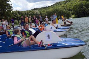 II Mistrzostwa Kaszub w Wyścigach na Rowerkach Wodnych w Ostrzycach 2016. 55 osób ścigało się na Jeziorze Ostrzyckim