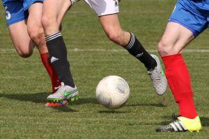 Sporting Leźno - Start Mrzezino 1:3 (0:2). Czerwona kartka dla gospodarzy i gol dla gości w 18 minucie ustawiły mecz