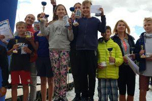 Mistrzostwa Kaszub w Wyścigach na Rowerkach Wodnych 2018. Całe rodziny ścigały się na wodzie w Ostrzycach