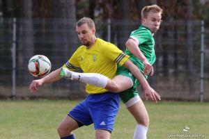 KS Kamienica Królewska - Amator Kiełpino 1:2 (0:0). Nerwy, czerwone kartki i gole w końcówce derbowego meczu