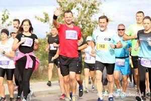 Bieg Arasmusa 2018 w Kiełpinie. Zdjęcia ze startu biegu głównego na 5 km (galeria nr 2)