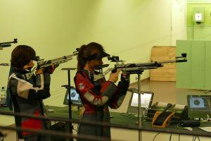 Dominika Hirsz i Wiktoria Lisiewicz strzelały w Międzywojewódzkich Mistrzostwach Młodzików w Bydgoszczy