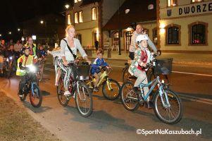 Kartuski Przejazd Rowerowy Wieczorową Porą. Promowali bezpieczną jazdę po zmroku na dwóch kółkach