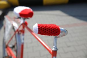 Biało - czerwone Rowerowe Sweterki idealne na 11 listopada