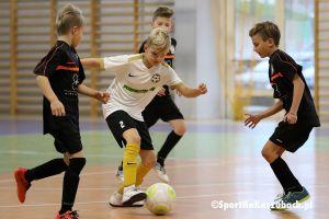 Futsal Cup. Goście z Bydgoszczy wygrali halowy turniej rocznika 2009 w Kiełpinie
