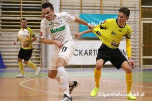 FC Kartuzy - Helios Białystok. Powtórka z historii w Kiełpinie, goście odrobili trzy gole straty