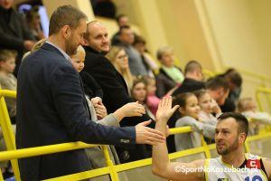 KS Bat Sierakowice - MTS Basket Kwidzyn. Zwycięskie otwarcie sezonu III ligi w Sierakowicach
