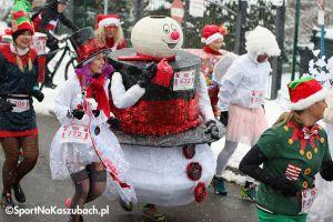 Santa Run Kartuzy 2018. Adam Głogowski najszybszy spośród prawie 800 biegających mikołajów (zdjęcia cz. 1)