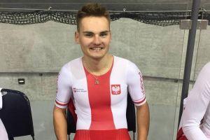 Damian Sławek na podium wyścigu australijskiego podczas torowych zawodów w Szwajcarii