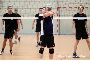 Żukowska Liga Siatkówki. Sensacyjna porażka lidera i kolejne zmiany na podium