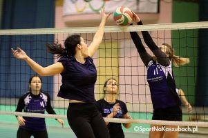 Przodkowska Liga Piłki Siatkowej Kobiet. Piątkowe mecze II ligi na zdjęciach