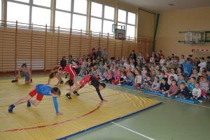 Stowarzyszenie Szkoła na Miotle w Staniszewie rozpoczęło działalność i organizuje szkółkę zapaśniczą