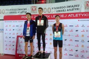 Krzysztof Różnicki i Tomasz Kurowski na podium Halowych Mistrzostw Polski U18 i U20 w Toruniu