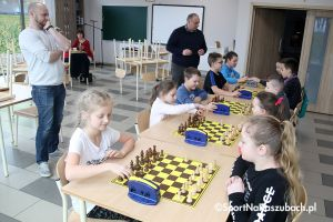 Turniej szachów uatrakcyjnił ferie dla dzieci ze Szkoły Podstawowej w Borczu