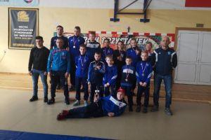 Medale uczniów z powiatu w Igrzyskach Młodzieży Szkolnej w Zapasach w Kolbudach