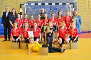UKS Banino wygrał finałowy turniej i został mistrzem wojewódzkiej ligi piłki ręcznej dziewcząt