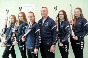 Natalia Żakowska z medalem mistrzostw Wybrzeza, siostry Malotka - Trzebiatowskie strzelały w Pilźnie