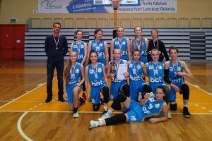 Srebrne medale koszykarek z SP nr 5 Kartuzy w finale wojewódzkim Igrzysk Młodzieży Szkolnej