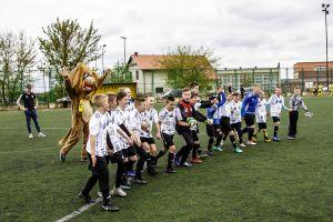 Sportowe święto na meczu młodzików Sierakowice - Gowidlino