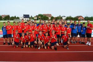 Juniorzy Raduni Stężyca odebrali medale za mistrzostwa w pomorskich ligach