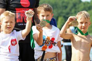 Triathlon Chmielno 2016. Zdjęcia z zawodów dla dzieci, w których wystartowało ponad 50 osób w trzech kategoriach