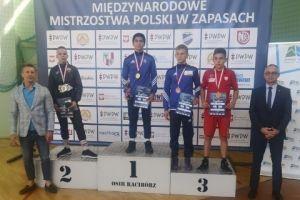 Gor Hovsepyan i Andrzej Drewa na podium Międzynarodowych Mistrzostw Polski Kadetów w Zapasach